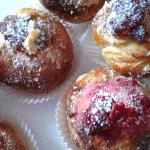 Drozdzowe muffinki z owoc...