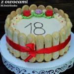 tort urodzinowy z owocami...