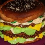 Tort jak hamburger