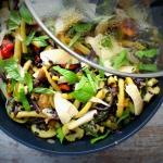 Ryż czarny z warzywami...