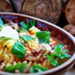 Zupa pomidorowa z orzecha...