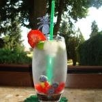 Woda z owocami i miętą...