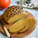 Razowy chleb dyniowy
