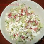 Kolorowa salatka z serkie...