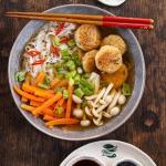 Orientalna zupa rybna  z...