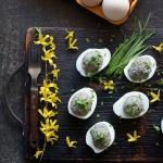 Faszerowane jajka z piecz...