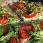 Pizza: mozzarella,...