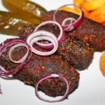 Arabskie kibbeh z mięsa...