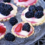 Tartelki z owocami i budy...