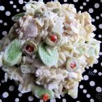 Salatka na pochmurna nied...