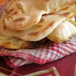 Domowy chlebek naan
