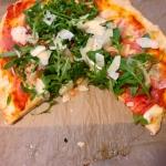 Pizza z rukolą i...