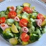 Salatka z brokulow i bruk...