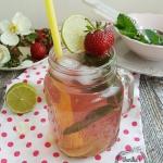 Lemoniada rabarbarowo-tru...