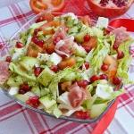 Salatka wiosenna z granat...