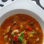 Zupa gulaszowa z mięsem...