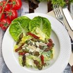 Salatka a la Cezar ze szp...