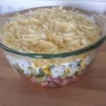 Salatka warstwowa z karko...