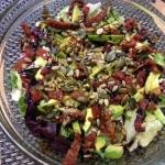 Salatka z awokado i suszo...