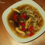 Zupa orientalna z makaron...