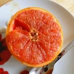 Pieczony grapefruit z wan...