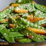 Mlode warzywa z woka