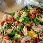 Salatka z tunczykiem, awo...
