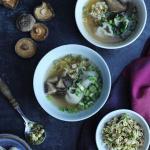Orientalna zupa won ton, ...