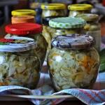 Salatka z ogorkow gruntow...