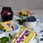 Tort migdałowo- jagodowy