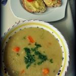 Zupa z cieciorki i pory.