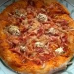 Pizza z dodatkiem sera...