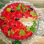 Tort owocowy z pianka tru...