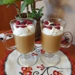 Deser kawowy z bitą...