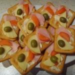 Kanapki na krakersach -...