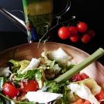 Salatka z mozzarella, mar...