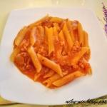 Pomidorowy makaron z szyn...
