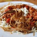 Spaghetti bolognese z pom...