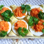 Jajka faszerowane marchew...