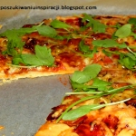 Pizza z mozzarellą,...