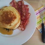 Pancakes na maslance z be...