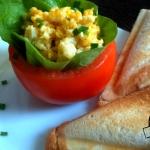 Jajecznica w pomidorach...