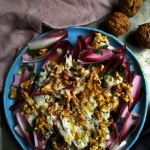 salatka z cykorii z orzec...