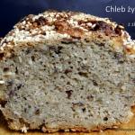 Chleb żytni z ziarnami...