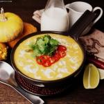 Zupa dyniowo-kokosowa z...