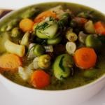 Zupa z młodych warzyw z...