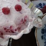 Deser lodowy z malinami