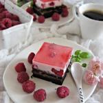 Ciasto malinowy ogrod