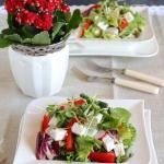 Wiosenna salatka z feta