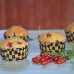 Muffinki z czerwoną...
